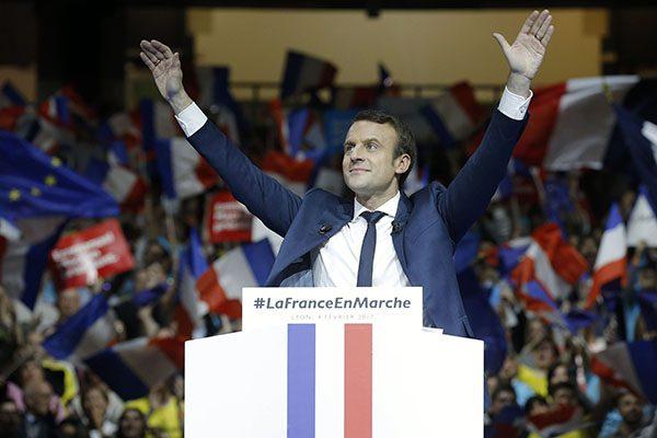 Meeting d'Emmanuel Macron au Palais des sports de Lyon,  accompagnŽ de son epouse. Celui-ci a le soutien de Gerard Collomb, sŽnateur maire de Lyon. Lyon, (Rhone) FRANCE-04/02/2017   //FAYOLLE_Photo044/Credit:Pascal Fayolle/SIPA/1702061512