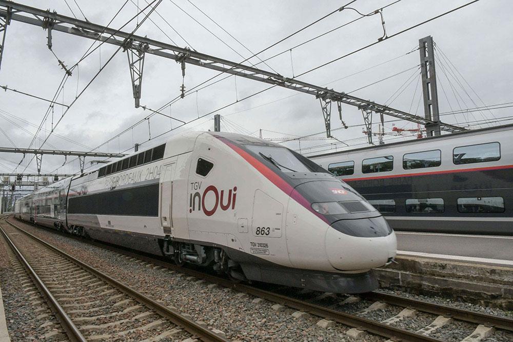 TGV InOUI - Politique Magazine
