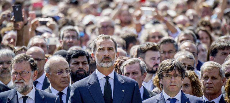 Mariano Rajoy, Felipe VI, Carles Puigdemont - Politique Magazine