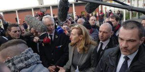 Nicole Belloubet aux prises avec les gardiens de prison à Vendin-le-Vieil. Politique magazine