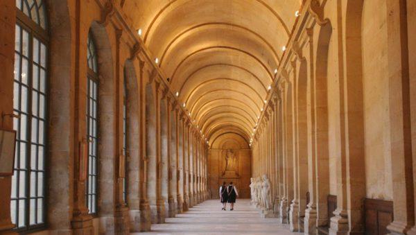 La Maison d'éducation de la Légion d'honneur à Saint-Denis, héritière de celle créée par madame Campan. Politique magazine