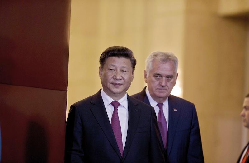 Xi Jinping et Tomislav Nikolic, président de la Serbie, en juin 2016 à Belgrade. La Chine propose ce que l'UE est bien incapable de proposer.