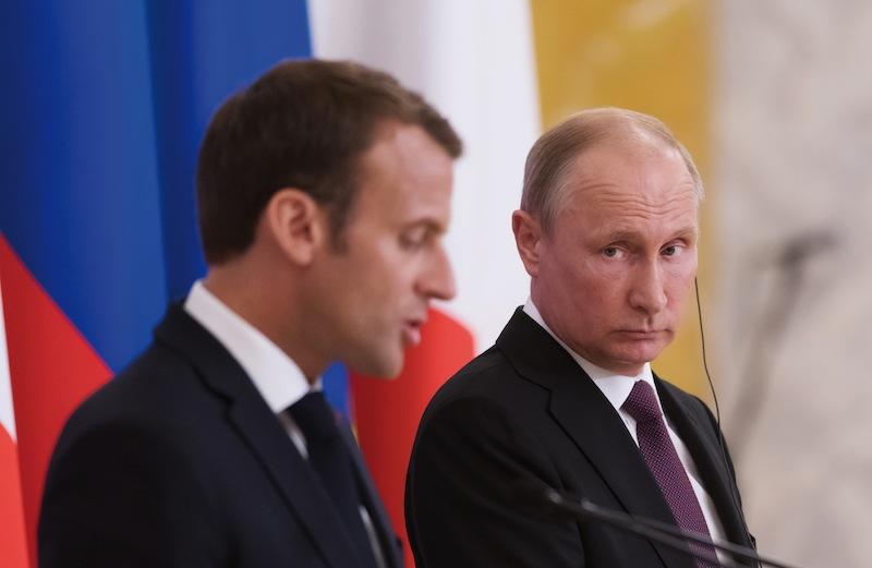 En mai 2018, Macron a rencontré Poutine à Saint-Pétersbourg,poursuivant son pari de faire converger tous les points de vue.
