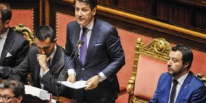 Giuseppe Conte devant le sénat italien.